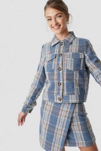 Camille Botten x NA-KD Checked Short Jacket - Blue