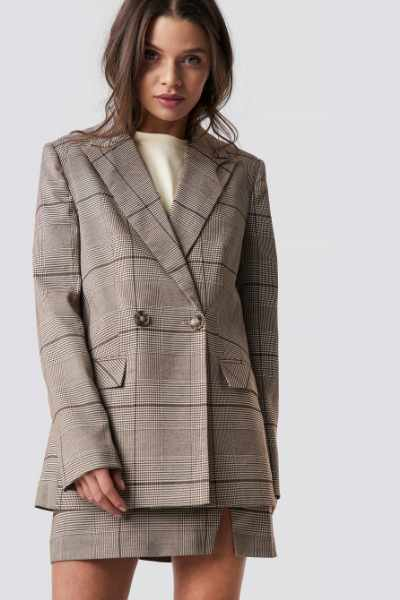 Emilie Briting x NA-KD Checked Blazer - Brown