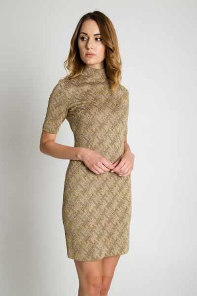 3811a8c1b3b804 Złota błyszcząca sukienka z krótkim rękawem BIALCON cena sklep ...